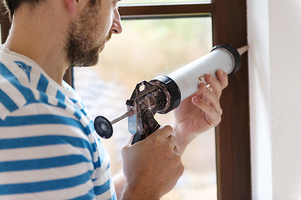 Draught sealing windows