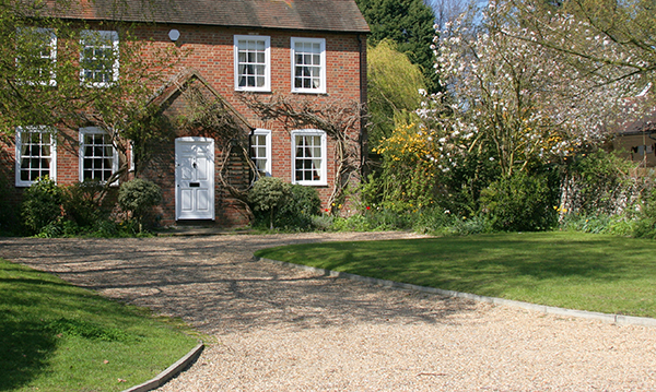 A Guide to Decorative Stone for Gardens | Topline ie