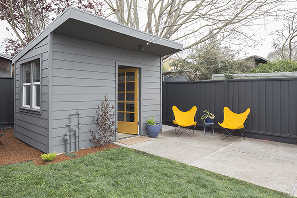 4 quick tips for buying a garden shed - Casetas pvc exterior ...