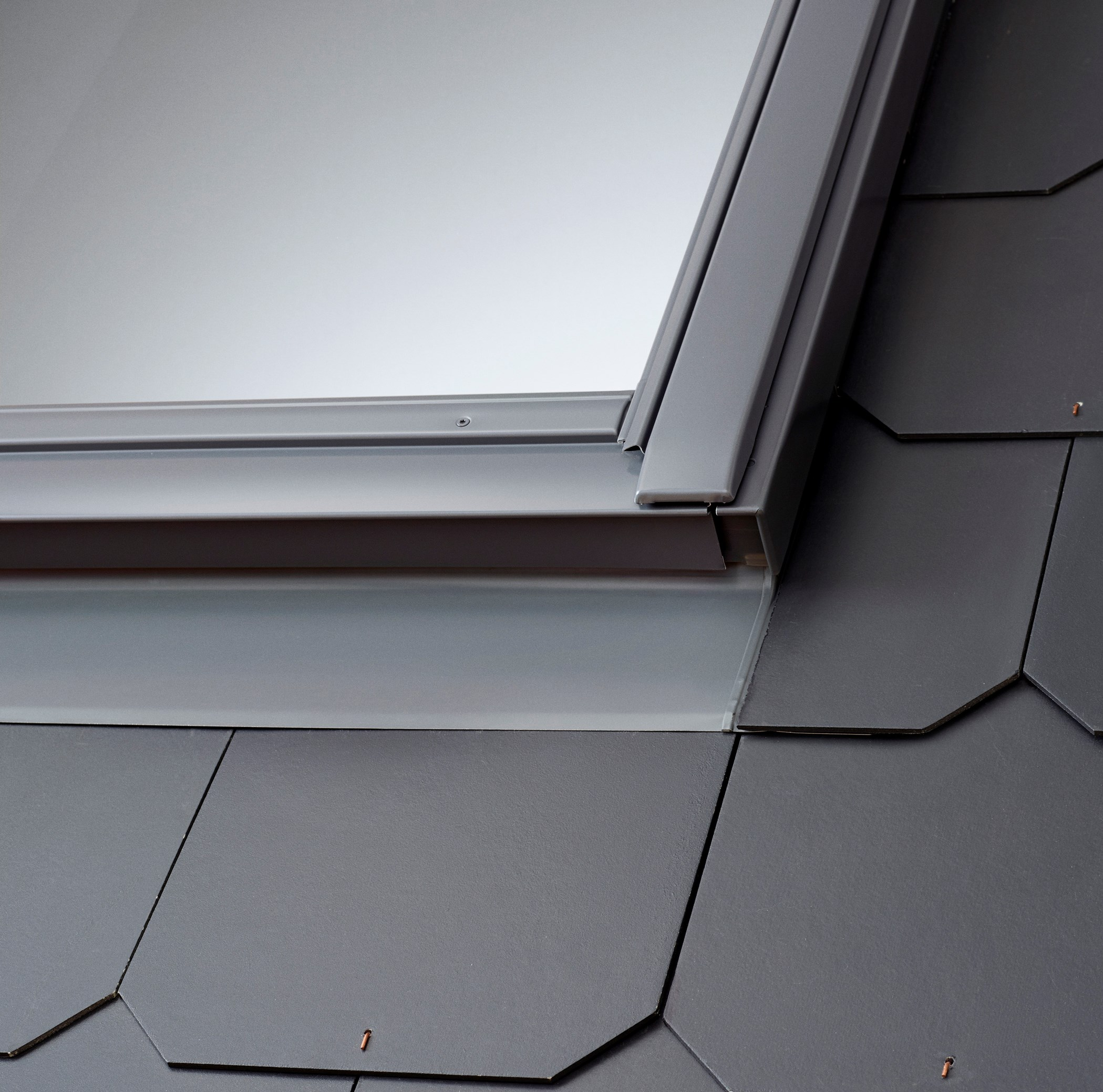 Velux roof window slate flashing edl 0000 flashing for How to clean velux skylights