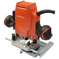 Maktec  MT361 Plunge Type Router - 240V