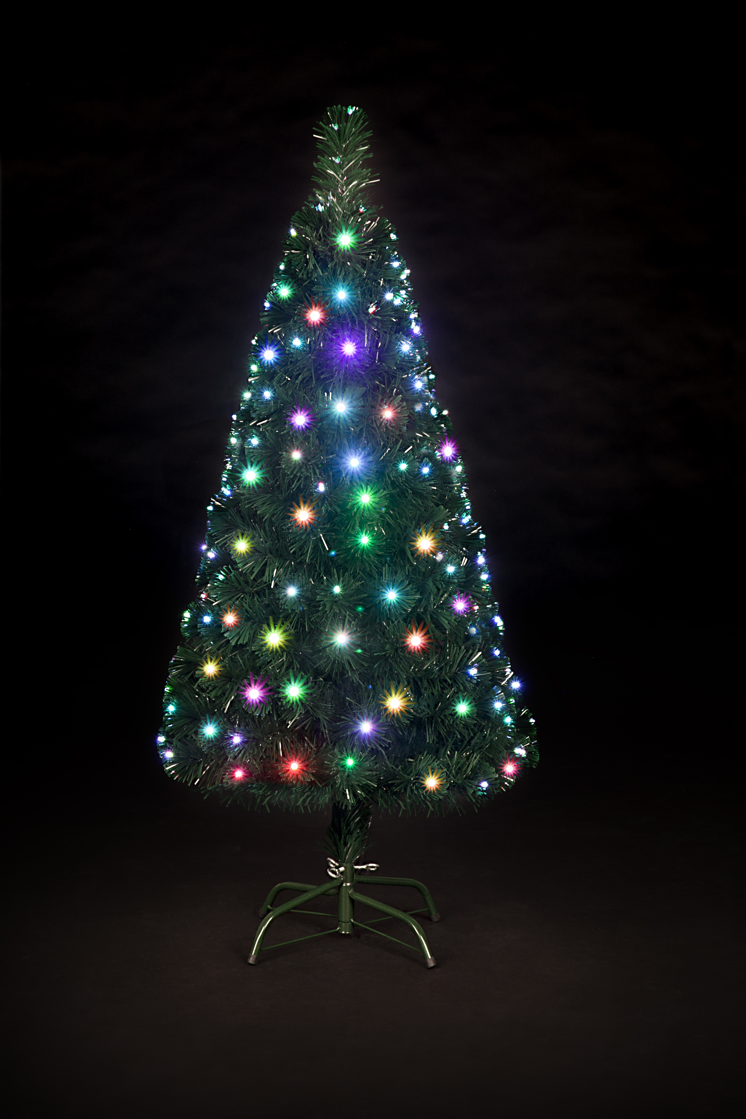 Superior Snowtime Snowbright Colour Changing LED Christmas Tree   4ft
